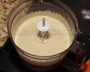 Готовое тесто для шарлотки с яблоками