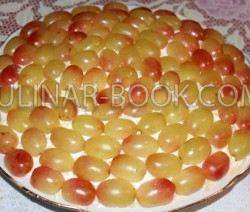 салат с виноградом, курицей и сыром