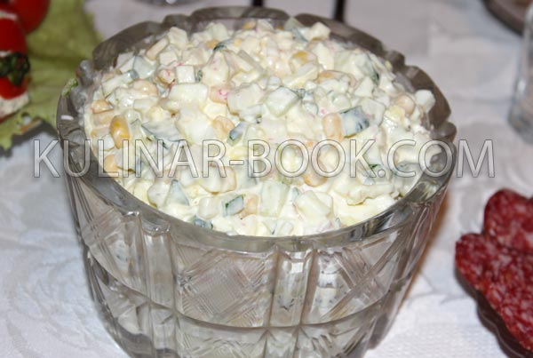 Салат из крабовых палочек классический рецепт с