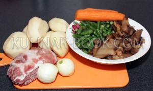 Ингредиенты для приготовления сапа из стручковой фасоли с шампиньонами