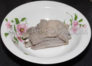 Сваренная свиная косточка
